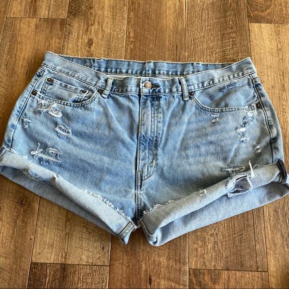 Levi's 505 high rise distressed jean shorts sz 18